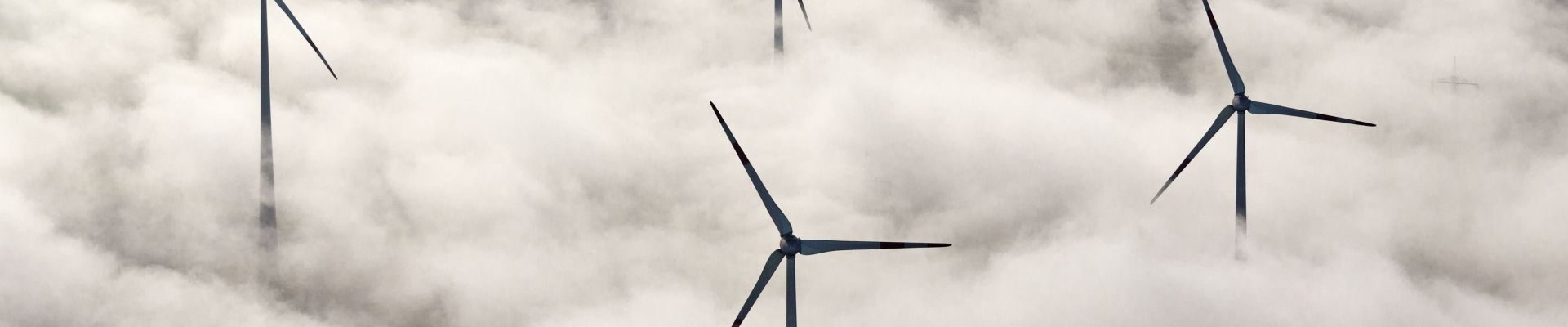 Wind energy plants in the clouds